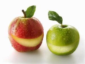 Cách trị mụn cám cho tuổi dậy thì nhờ dùng táo hoặc Rượu thuốc